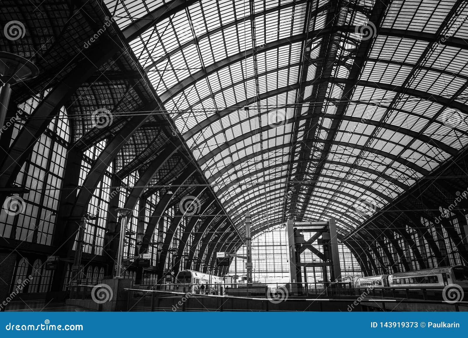 Estación de tren central en Amberes
