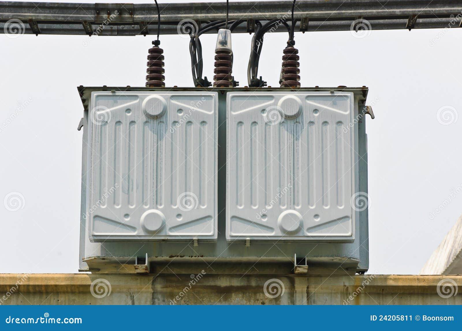 Estación eléctrica del transformador