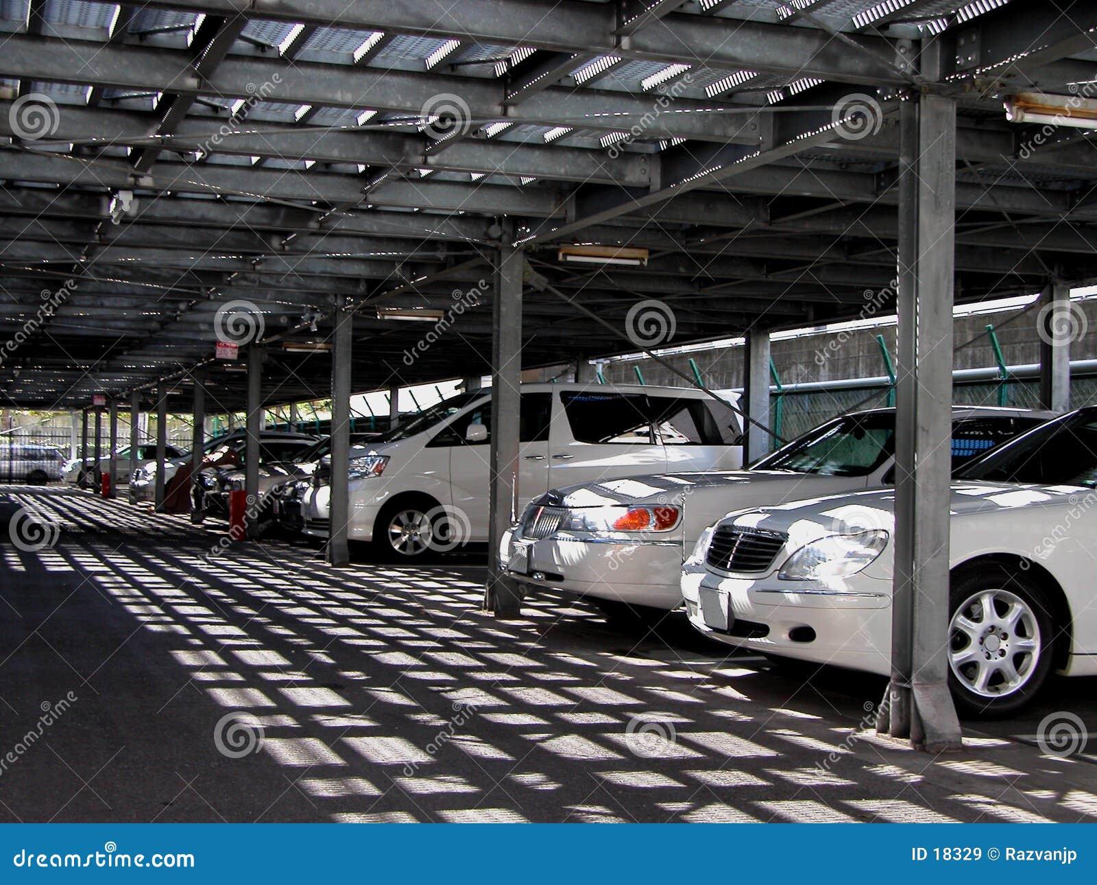 Estacionamento dos carros