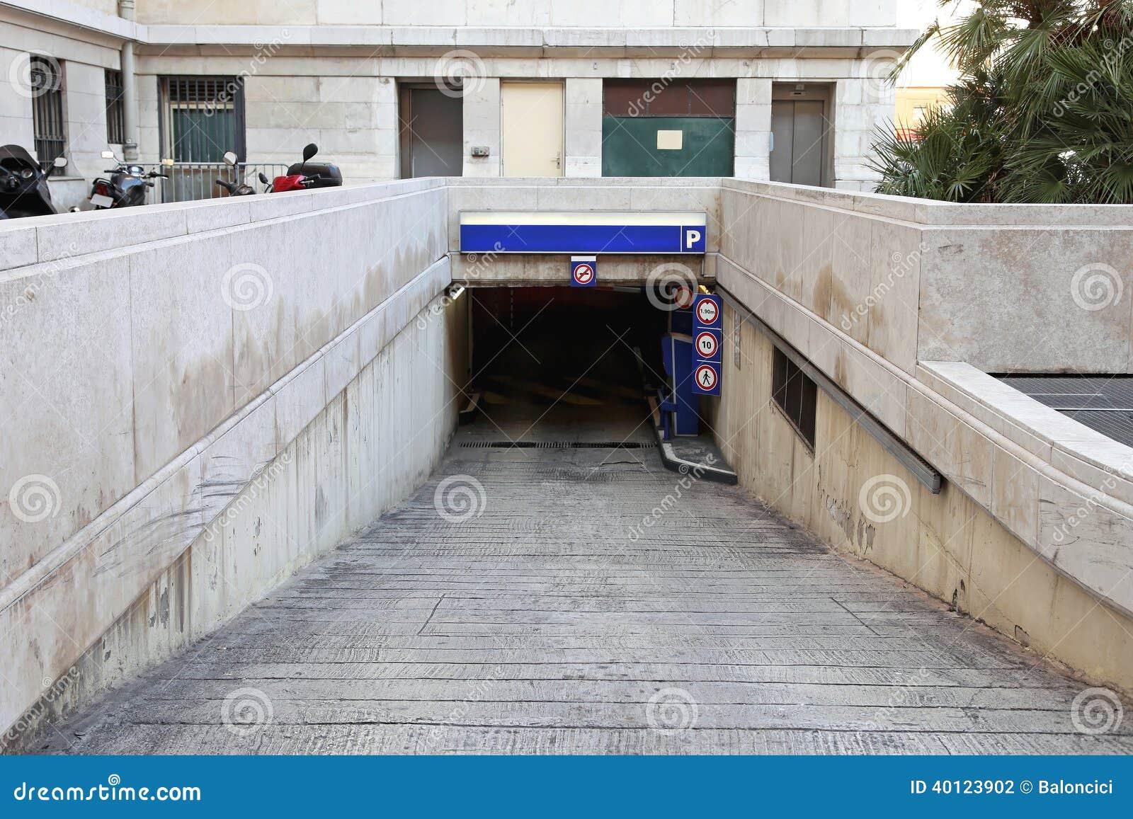 Estacionamento Subterr Neo Foto De Stock Imagem 40123902