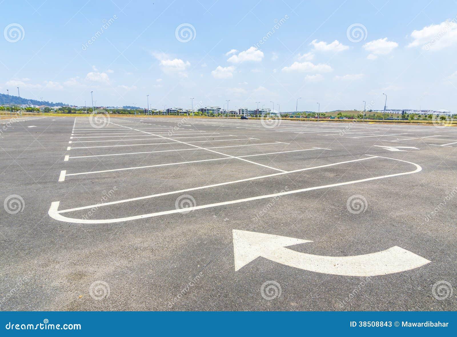 Estacionamiento vacío