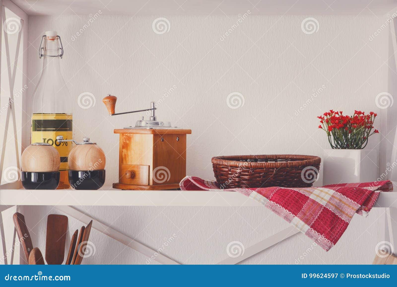 Estante De Madera Blanco, Muebles Rústicos De La Cocina Imagen de ...