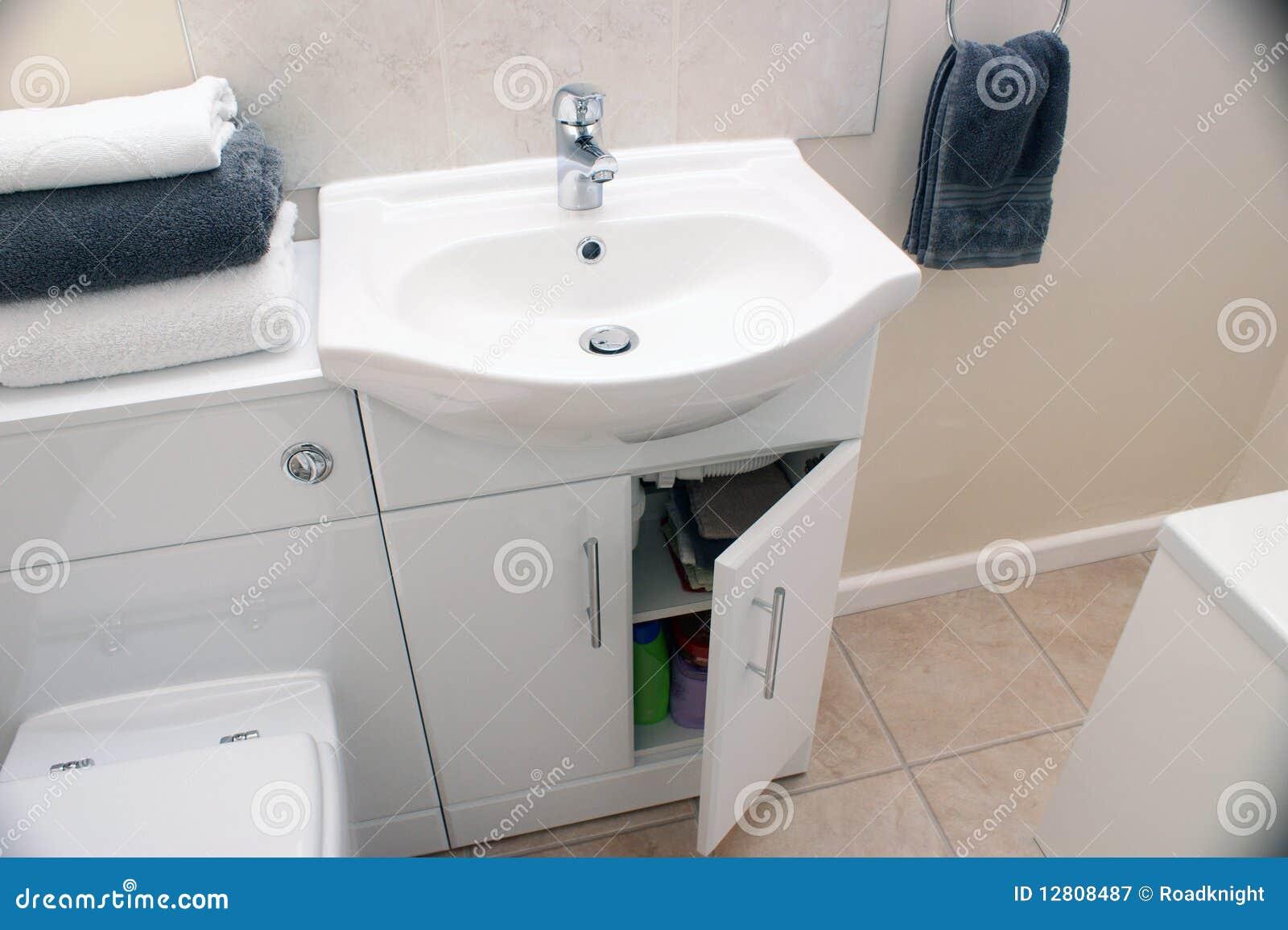 Estar aberto do Washroom