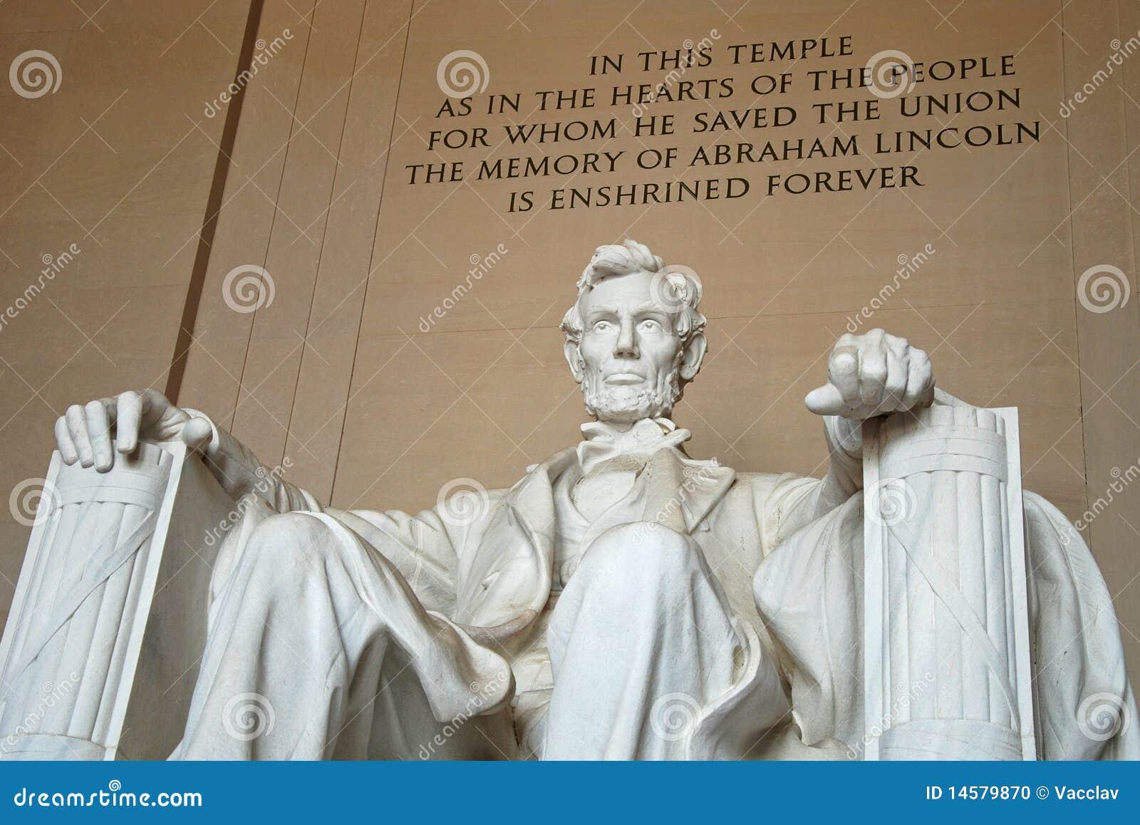 Estatua De Abraham Lincoln En El Monumento De Lincoln Foto