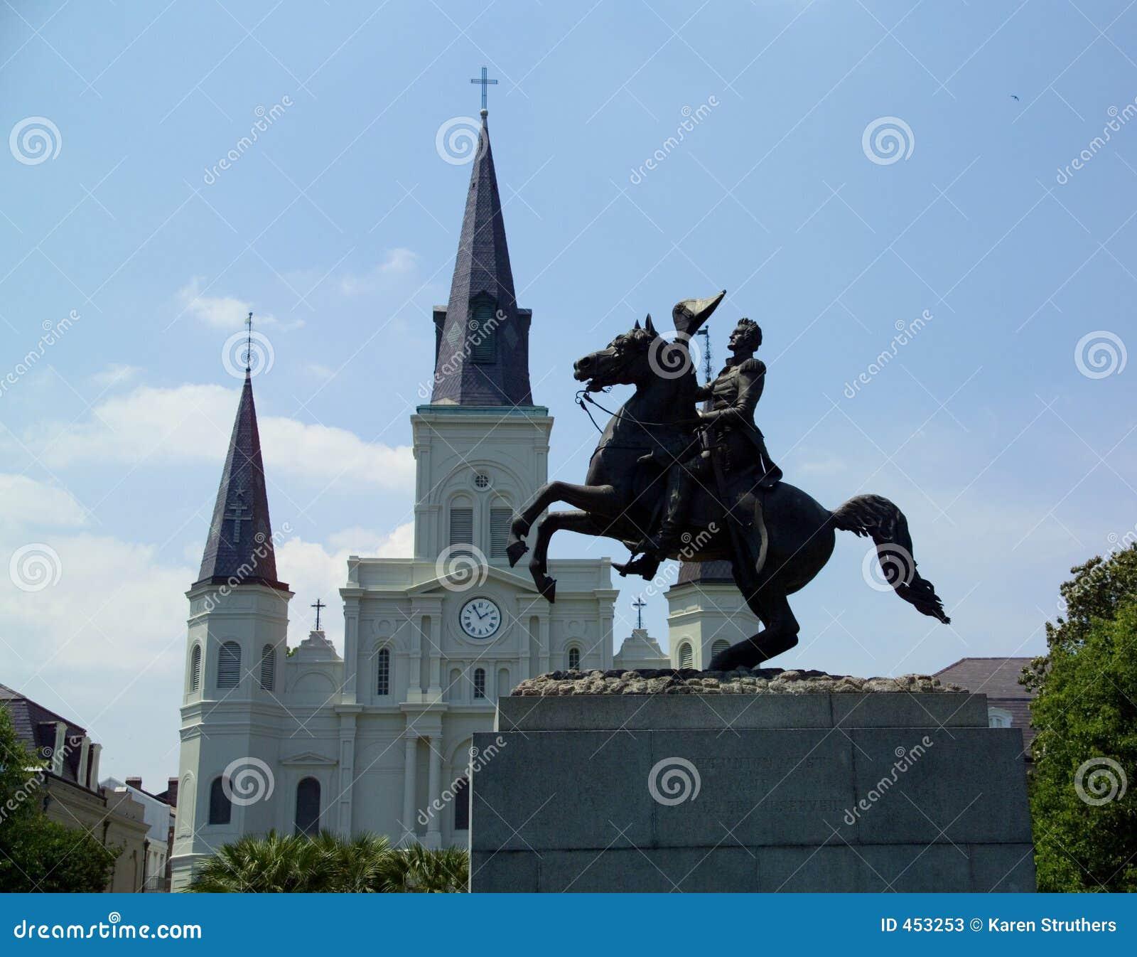 Estatua de general Andrew Jackson delante de la catedral de St. Louis