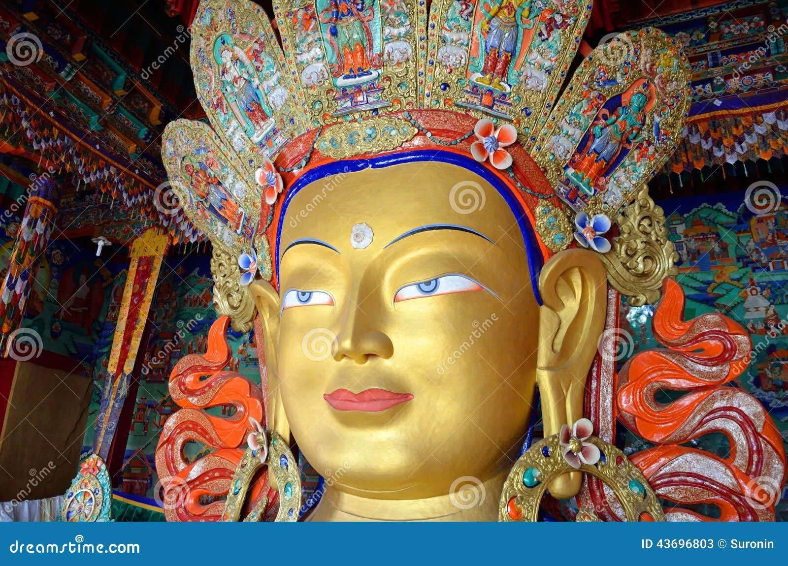 Estatua de Maitreya buddha