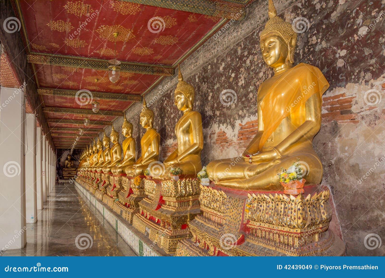 Estatua de oro de Buda en Tailandia