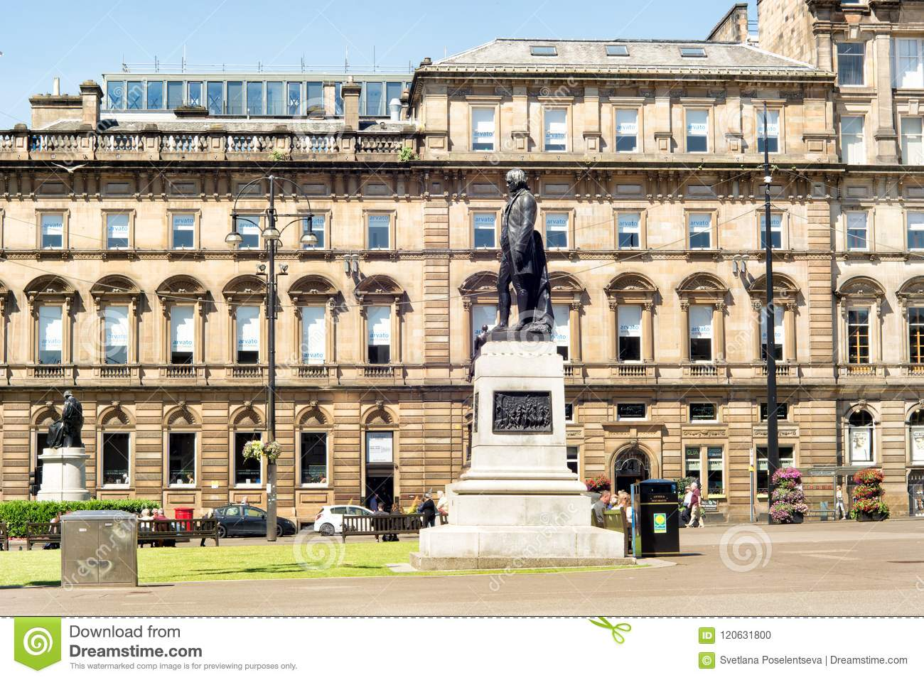Estatua de Robert Burns en George Square de Glasgow, Escocia, Reino Unido e