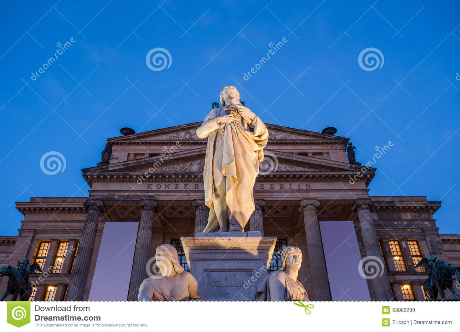 Estatua de Schiller, Konzerthaus Berlín
