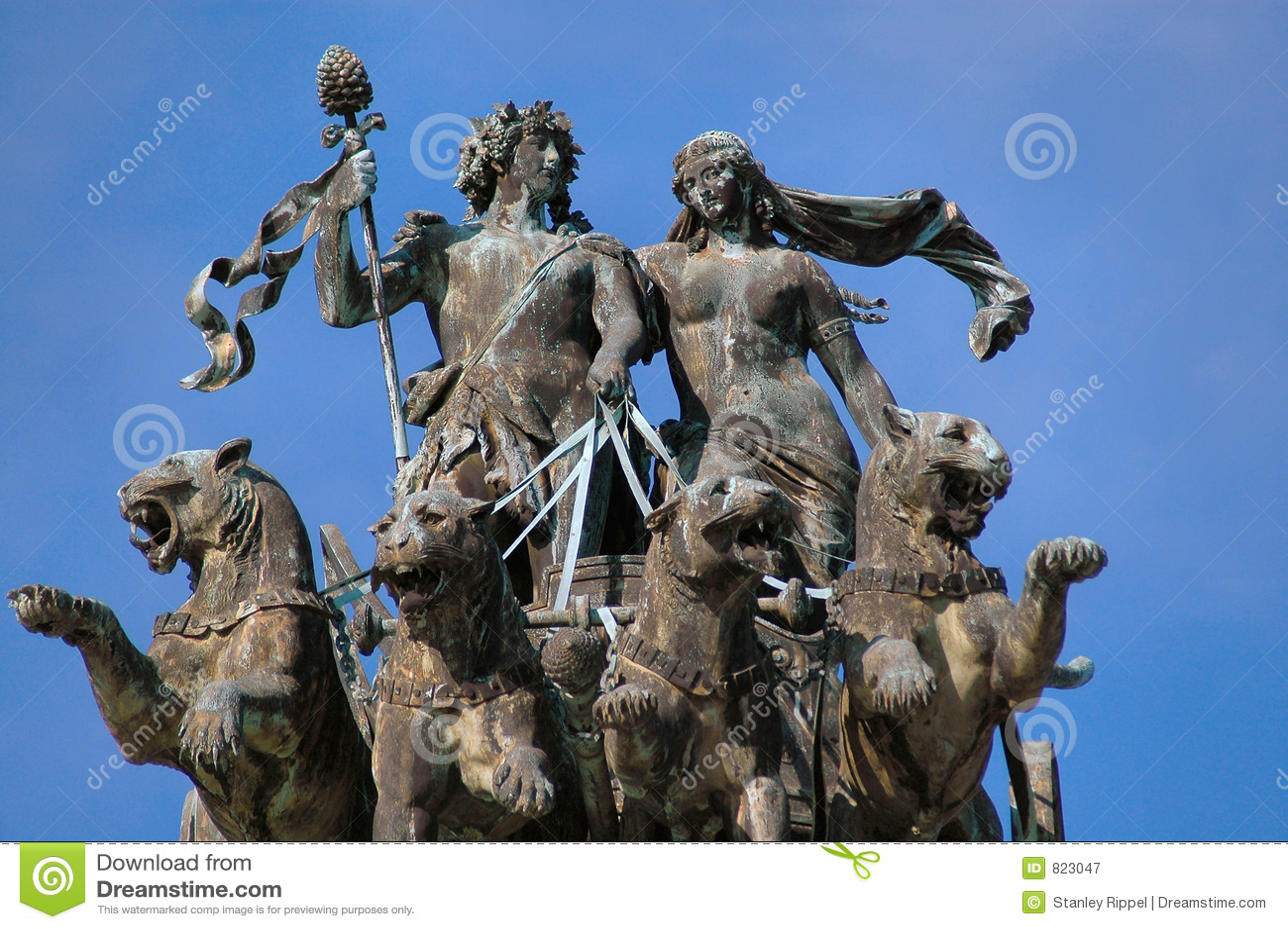 Estatua del teatro de la ópera en Dresden, Alemania