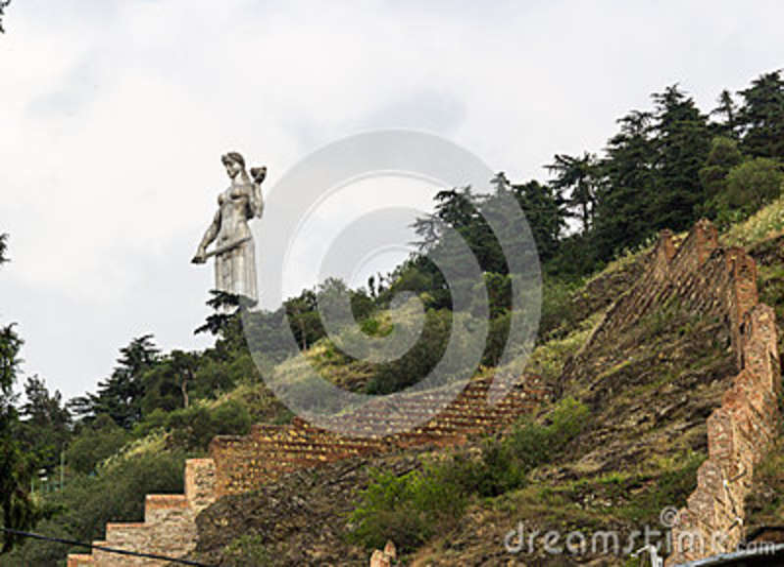 Estatua Tbilisi de la madre de la patria