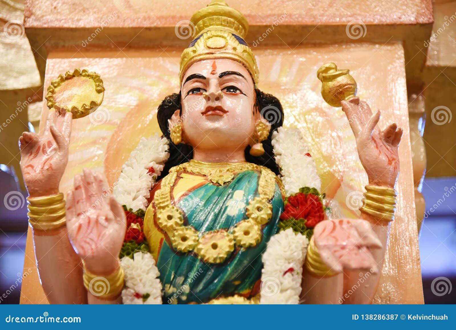 Estatuas de dioses hindúes