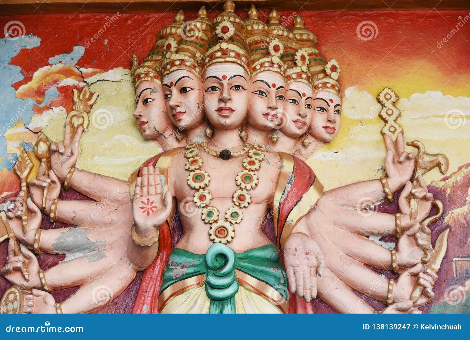 Estatuas de Hanuman en templo hindú