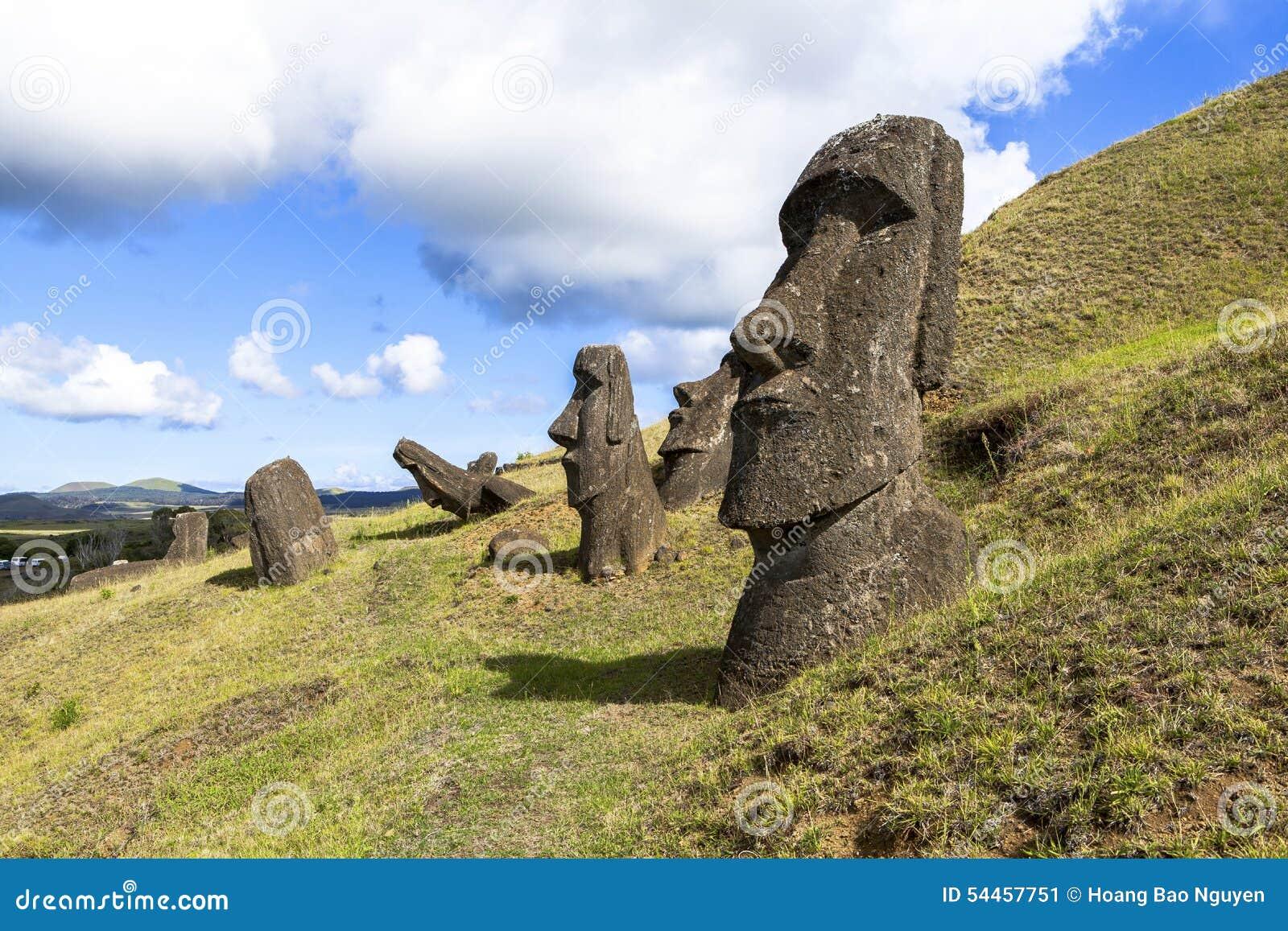 Estatuas de Moai en la isla de pascua, Chile