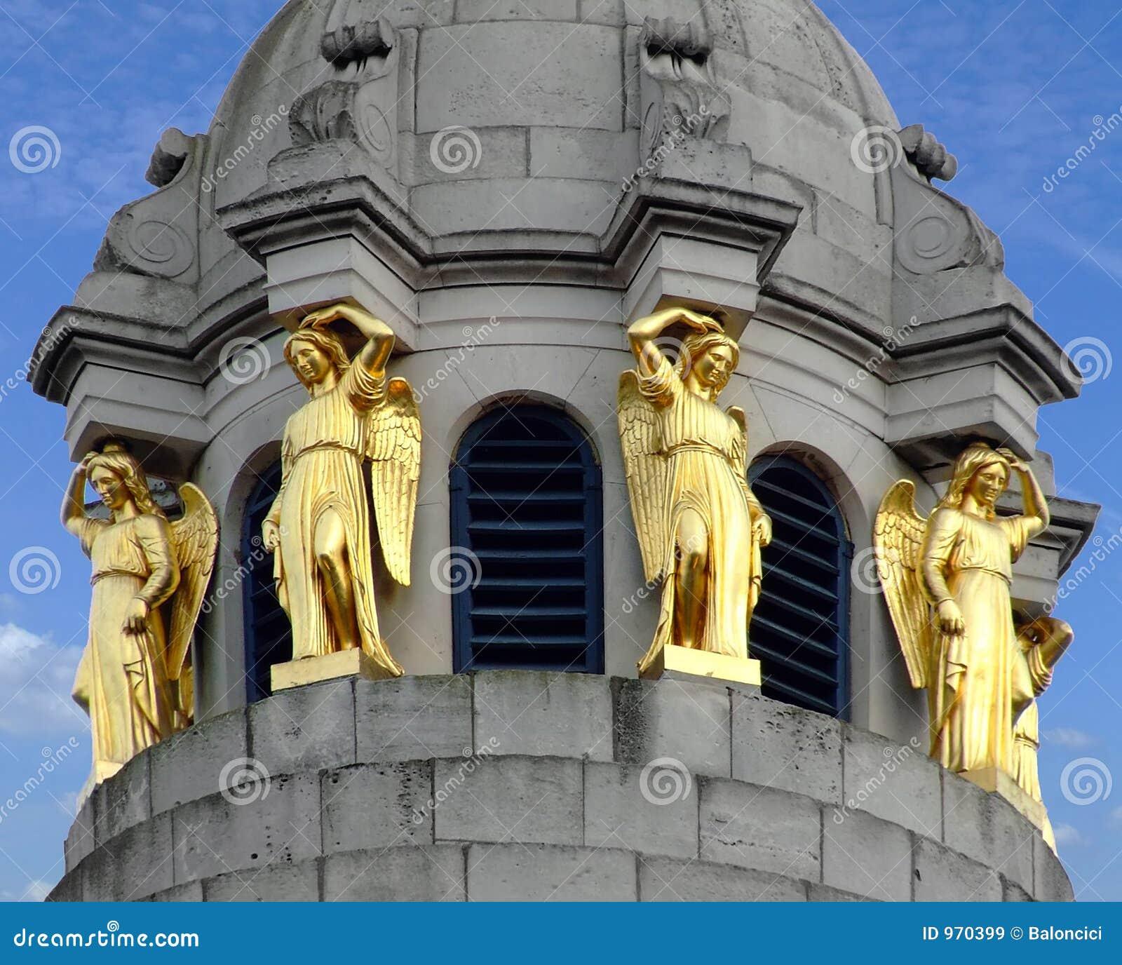 Estatuas del oro