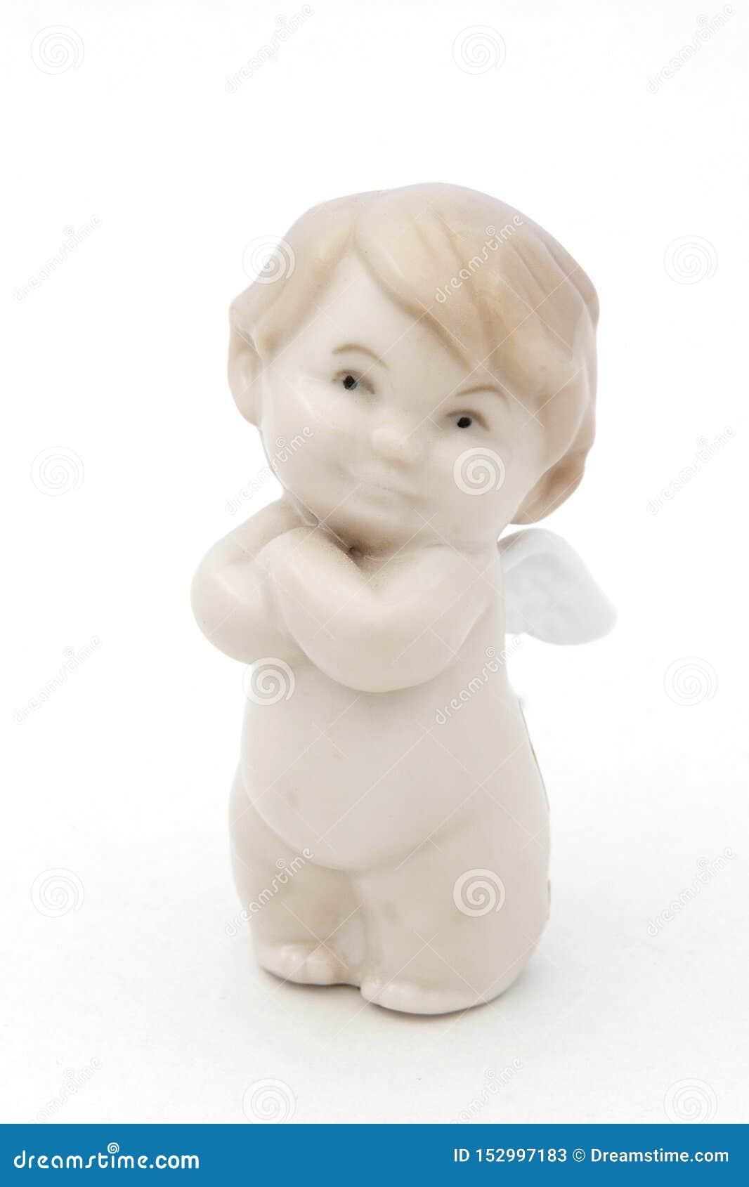 Estatueta branca do anjo da porcelana