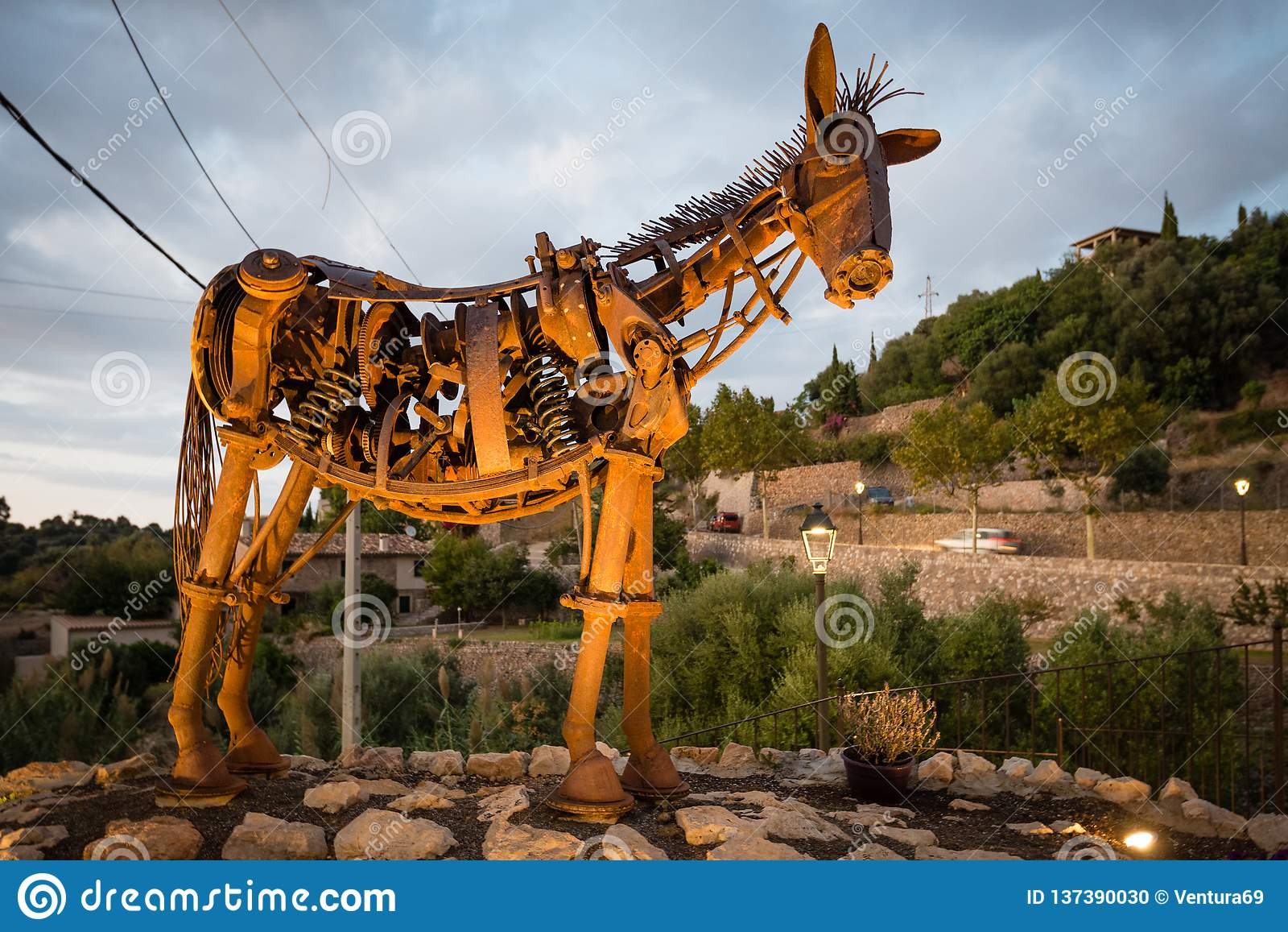 Horse Metal Scrap Photos Free Royalty Free Stock Photos From Dreamstime