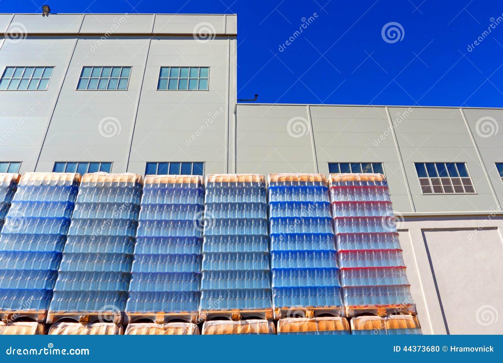 Esterno della fabbrica industriale