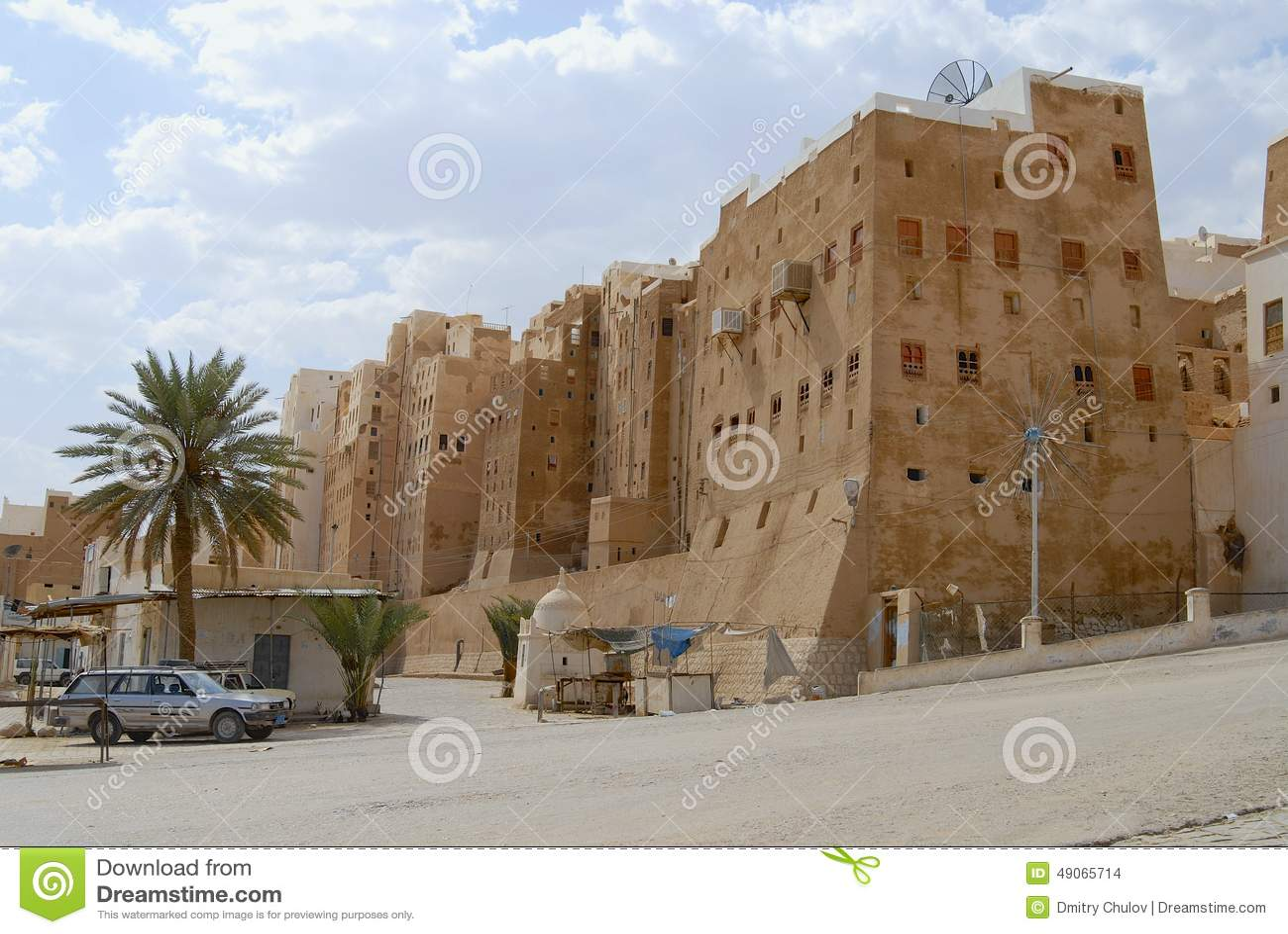Case Di Mattoni Di Fango : Esterno delle case della torre del mattone del fango della città di