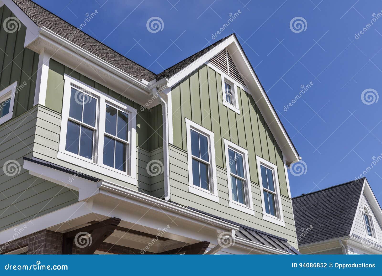 Esterno Di Una Casa : Esterno di una casa del nuovo modello fotografia stock immagine