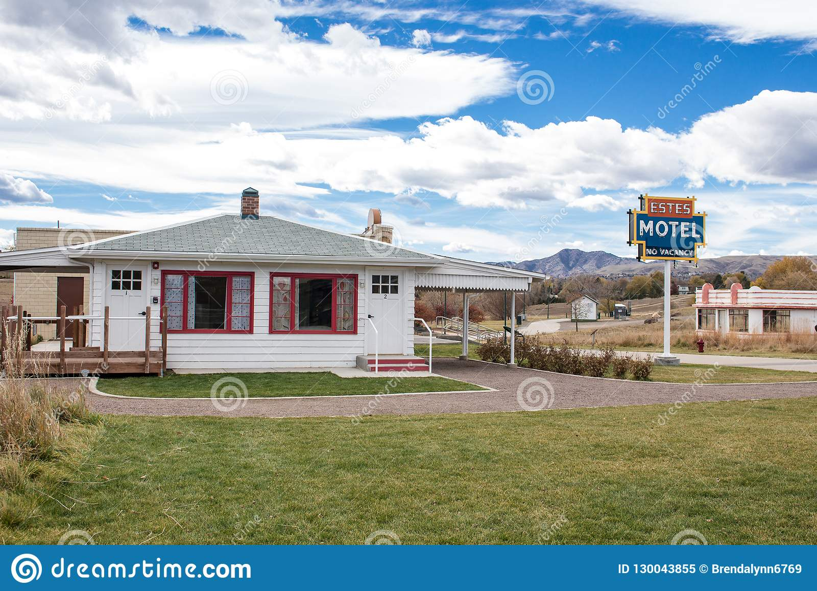 Estes Motel Lakewood Colorado Editorial Image Image Of Mountains Building 130043855