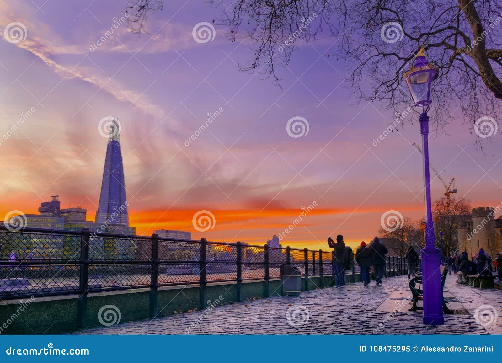 Estilhaço de Londres no por do sol