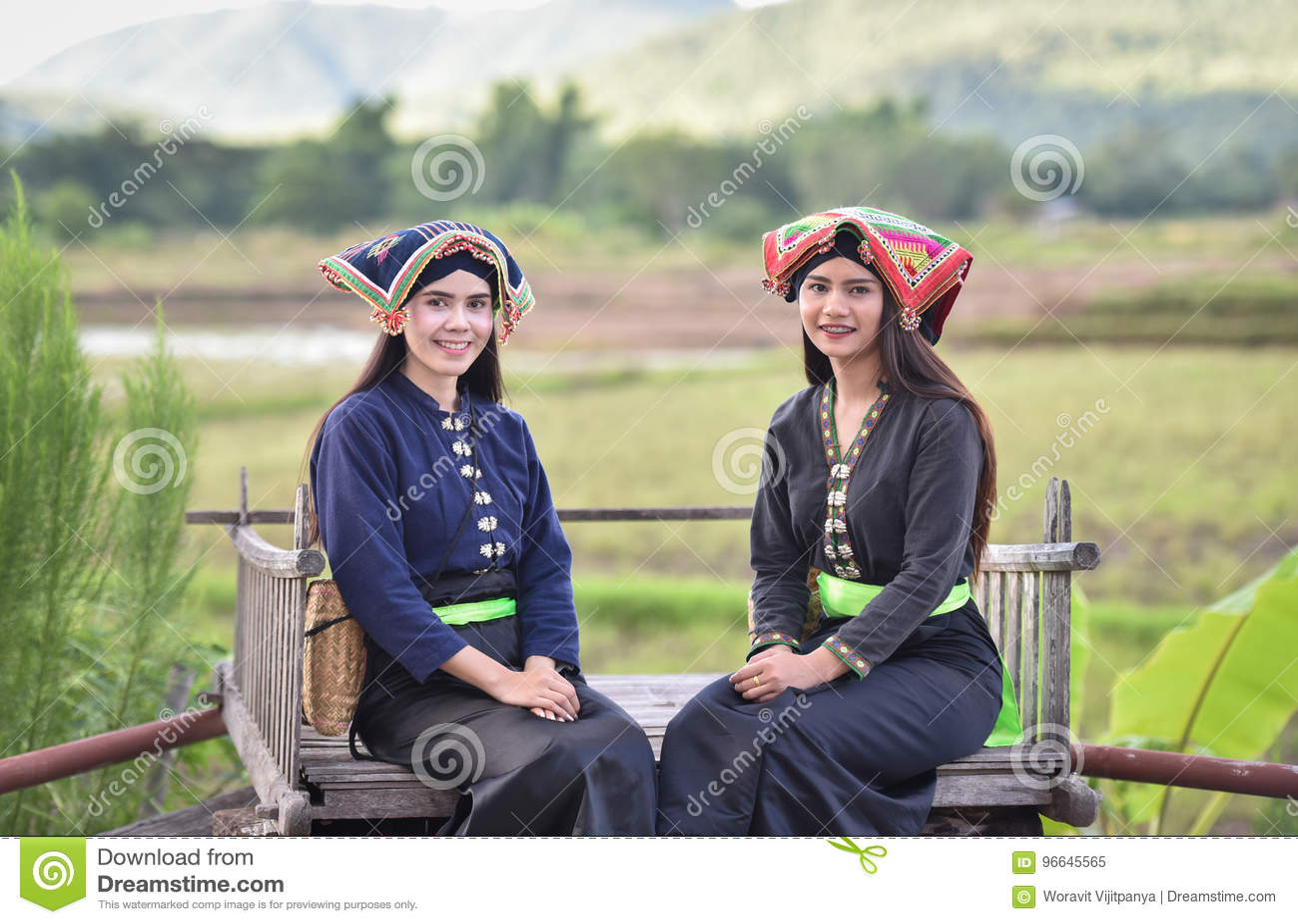 Estilo do asiático das meninas do sorriso