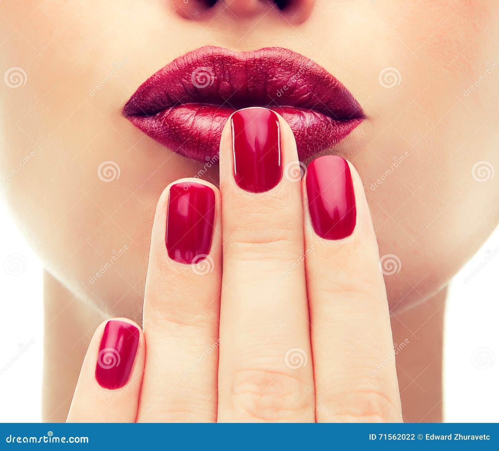 Estilo luxuoso da forma, prego do tratamento de mãos, cosméticos e composição
