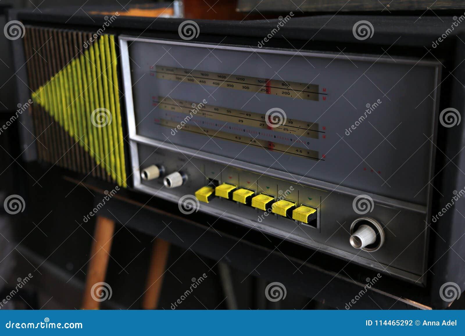 Estilo retro de rádio velho