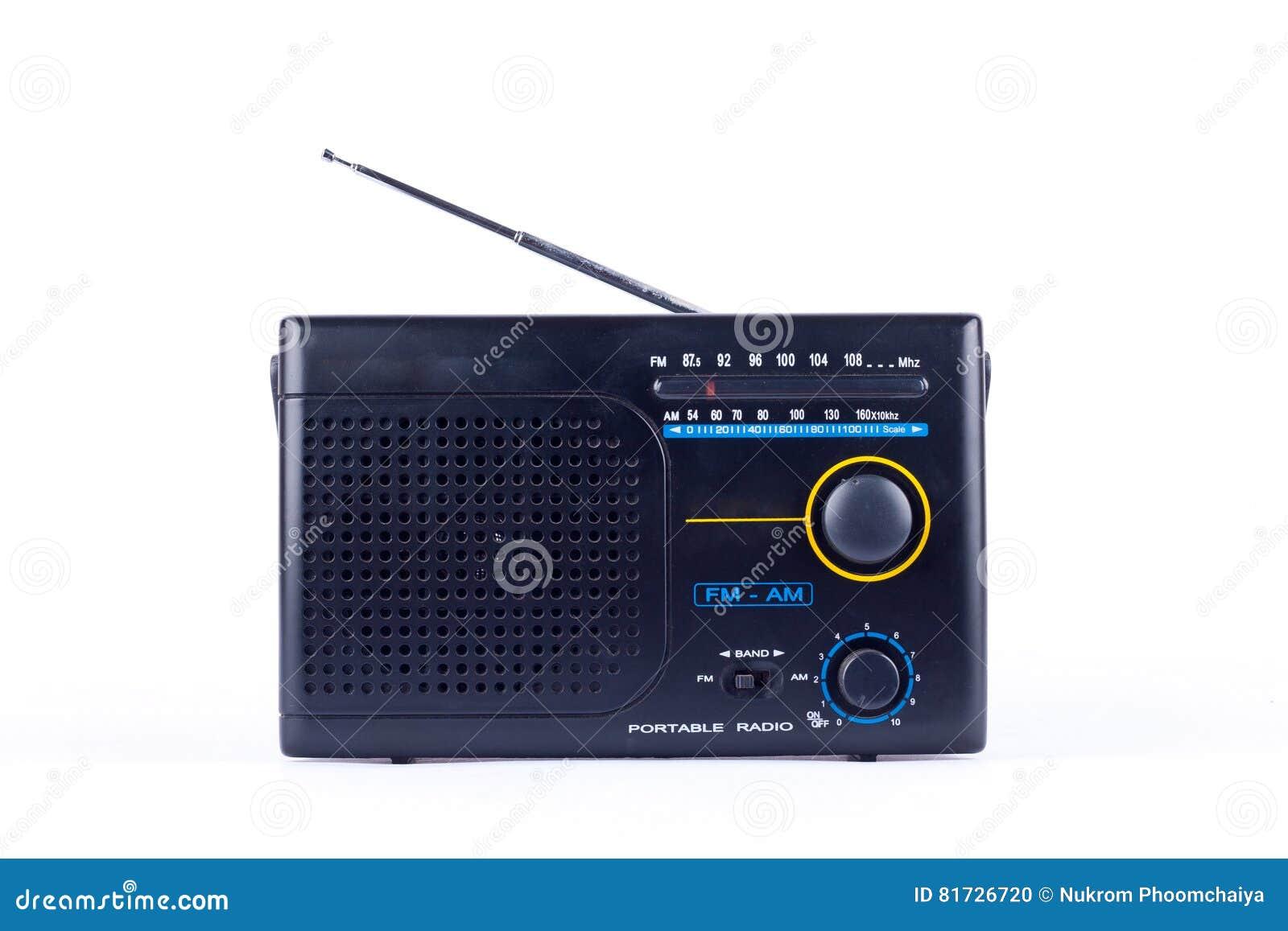 Estilo retro AM do vintage preto velho, receptor do transistor do rádio portátil de FM no fundo branco isolado