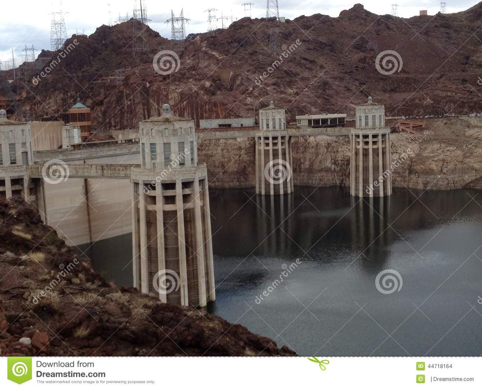 Estimada agua: usted no pasará
