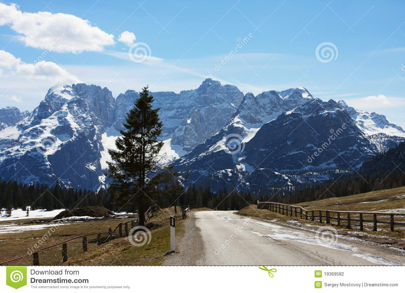 Estrada às montanhas