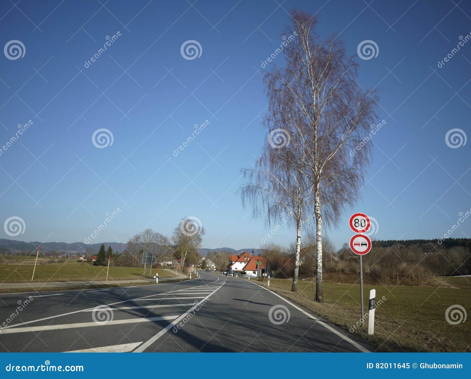Estrada aberta da rua do alemão