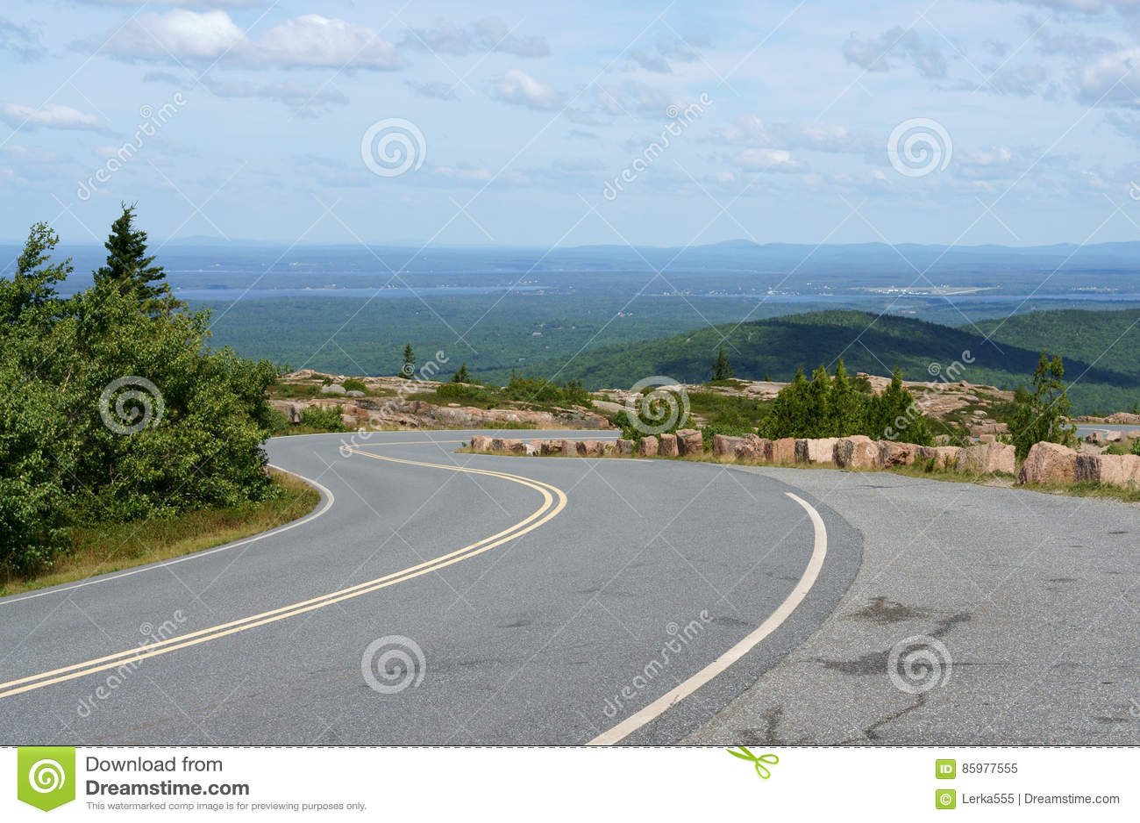 Estrada ao parque nacional do Acadia na montanha de Cadillac