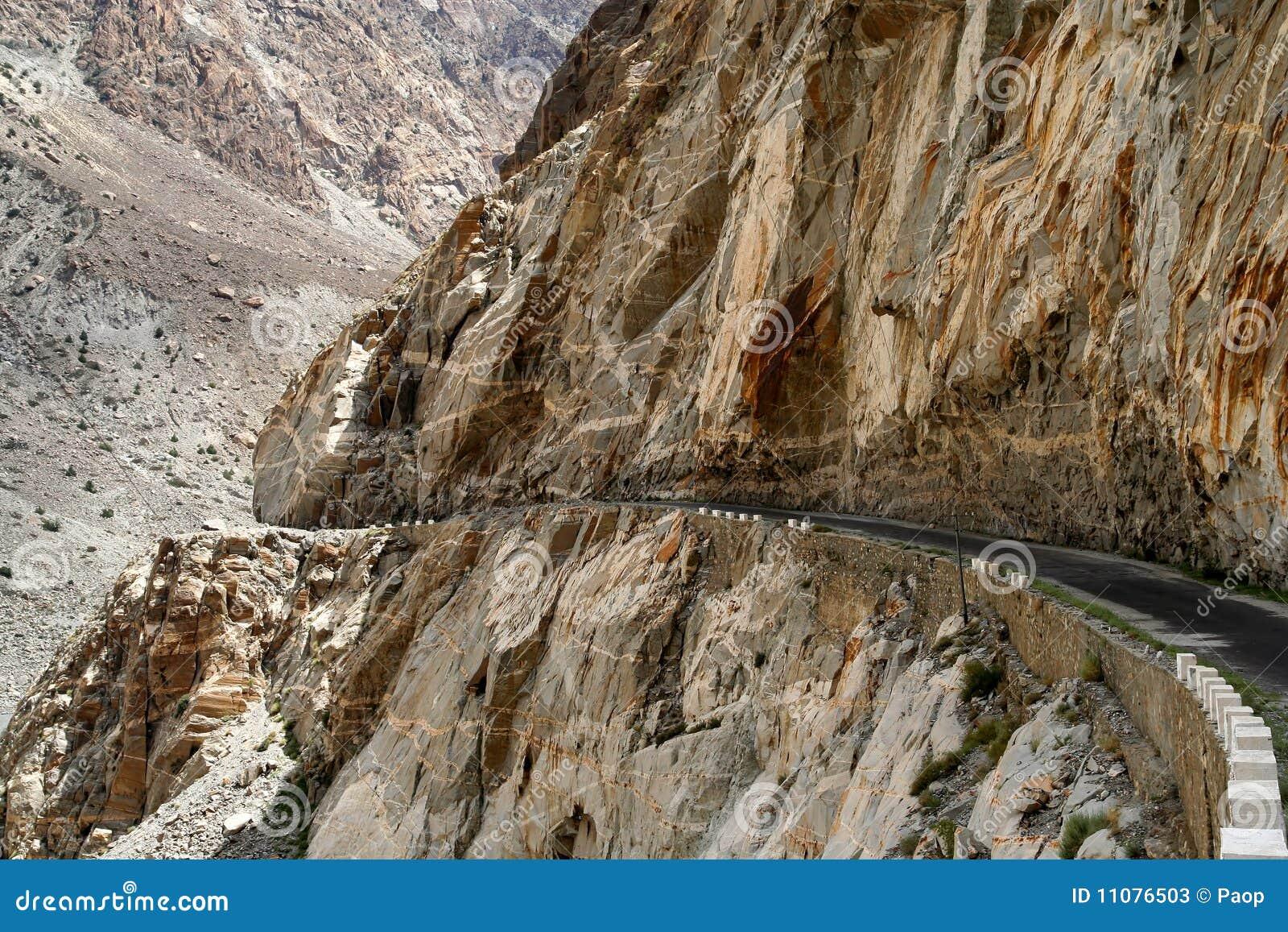 Estrada de Karakorum