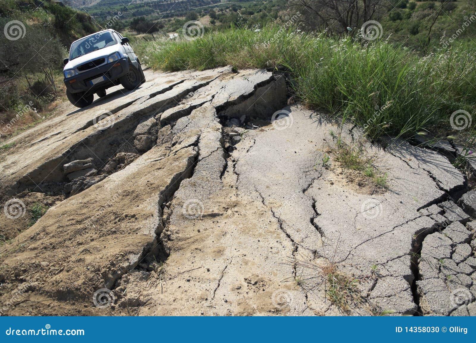 Estrada quebrada