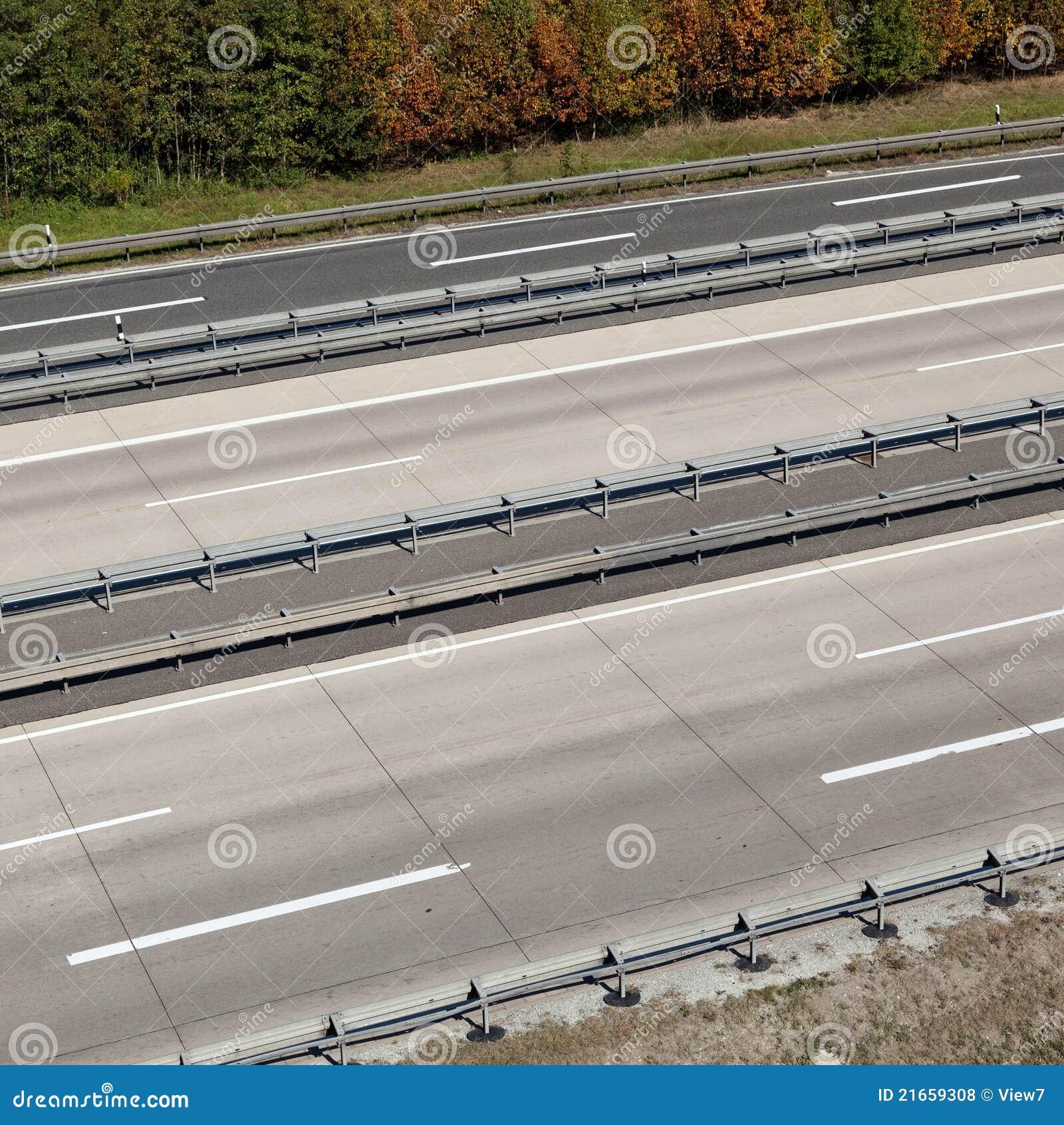 Estrada vazia
