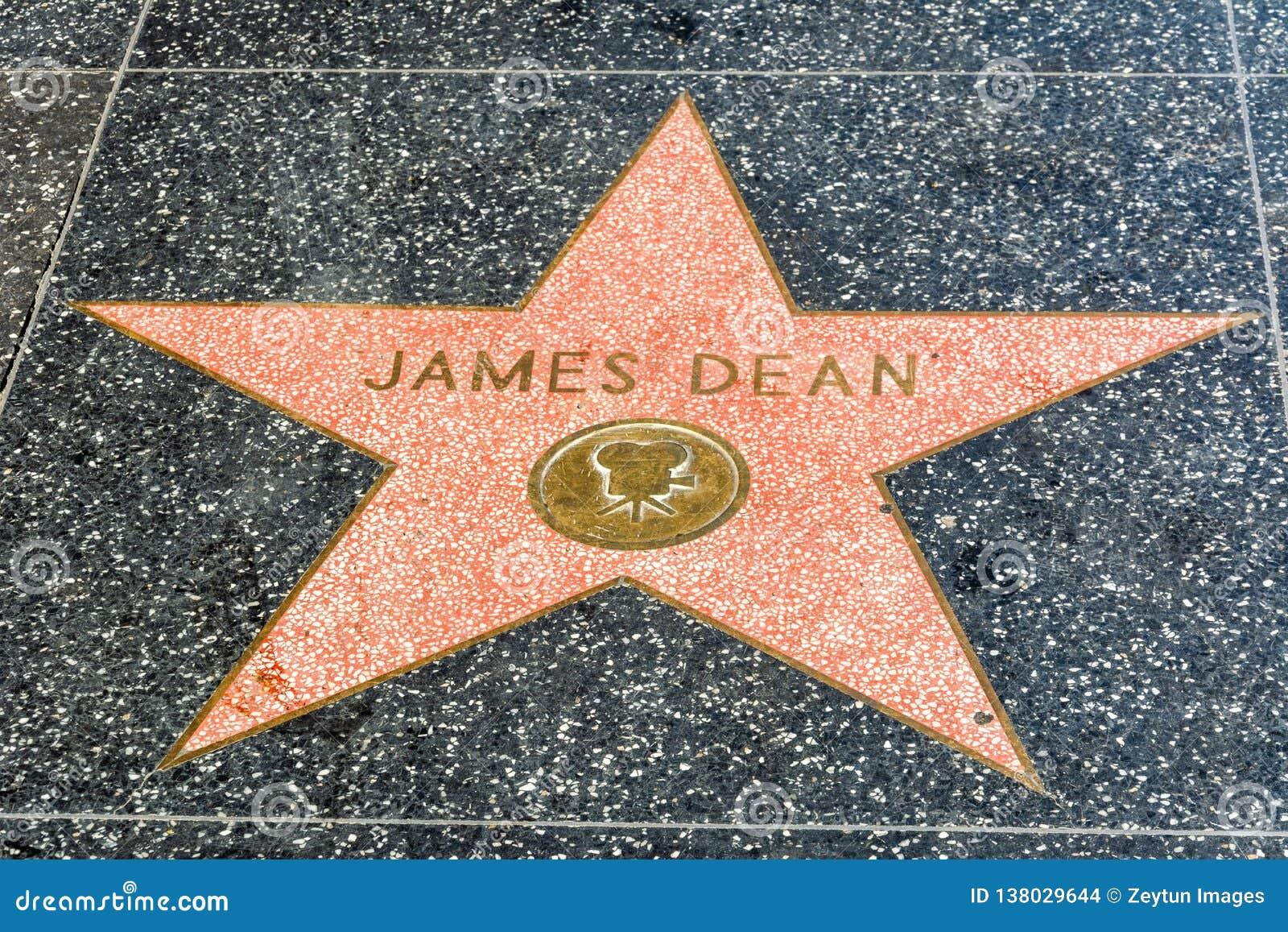 Estrela de James Dean na caminhada de Hollywood da fama em Los Angeles, CA