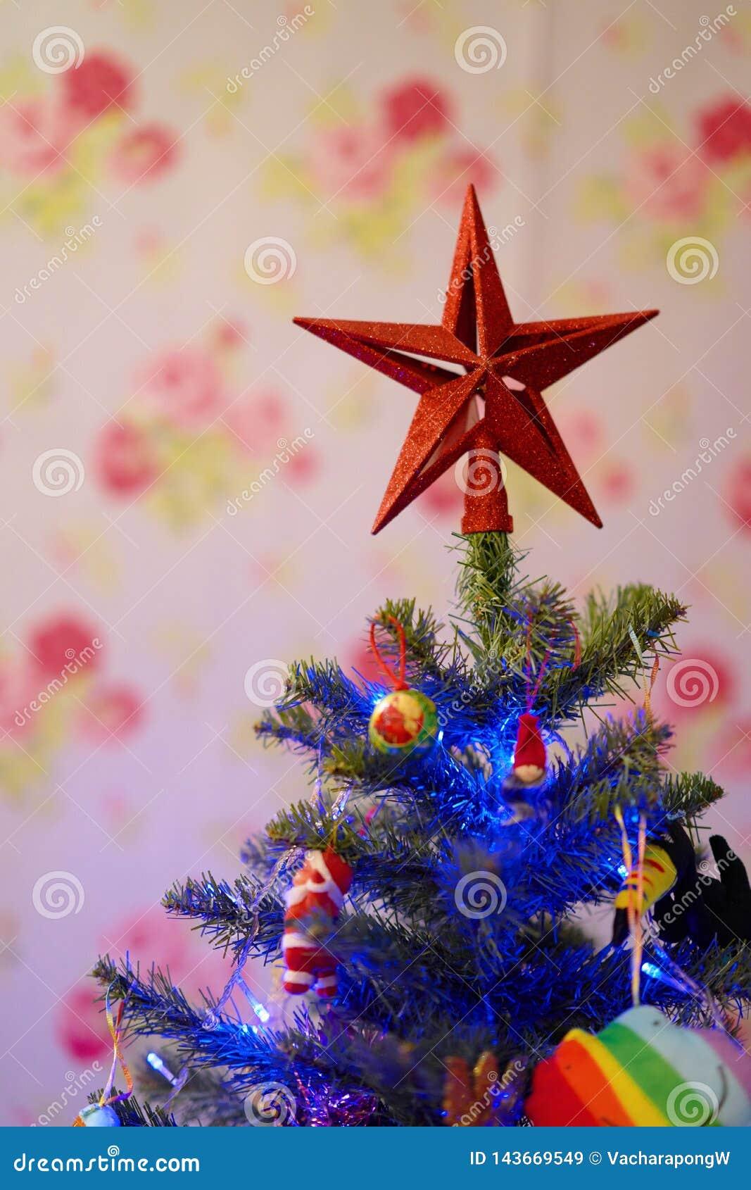 Estrela na parte superior para decorar a árvore de Natal