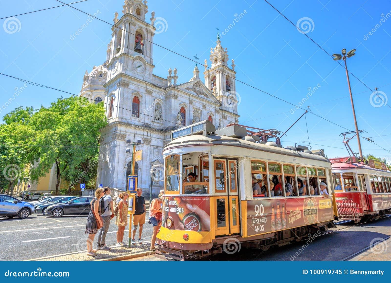 Estrelabasiliek en Tram 28