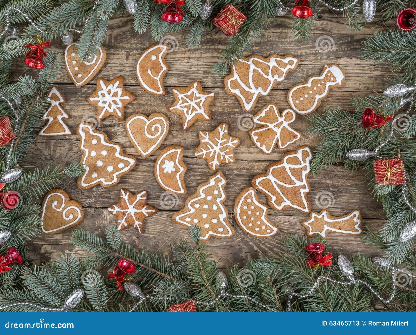 Estrutura do Natal com cookies do pão-de-espécie