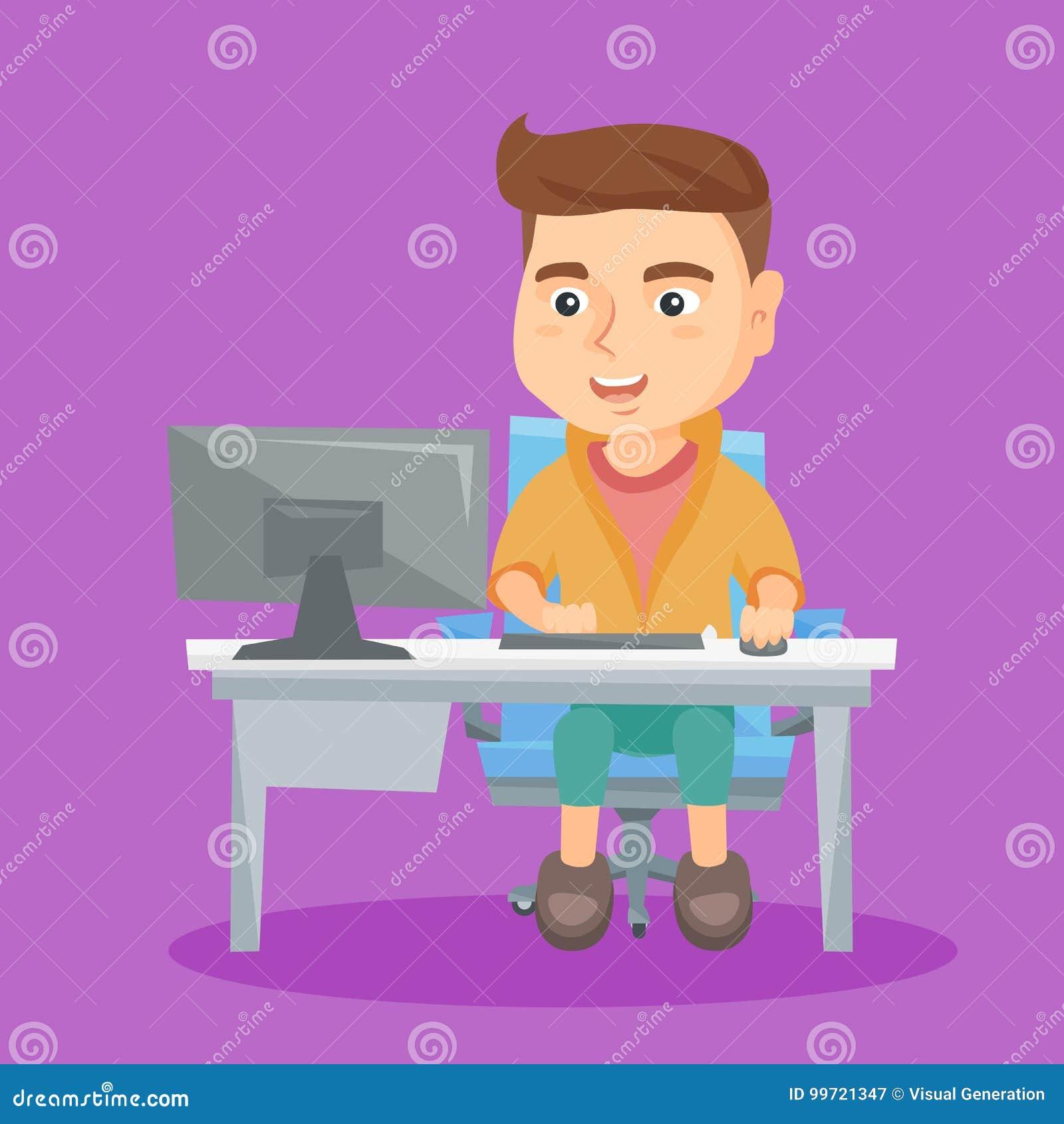 Estudante caucasiano que trabalha em um computador em casa