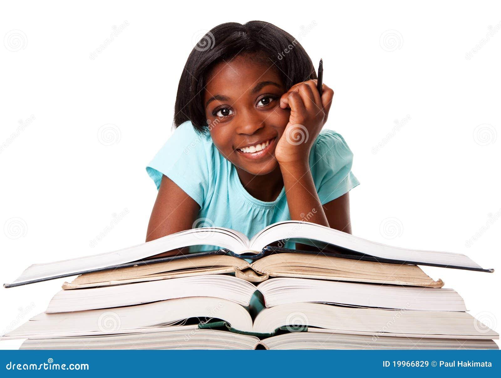 estudante-feliz-com-trabalhos-de-casa-19