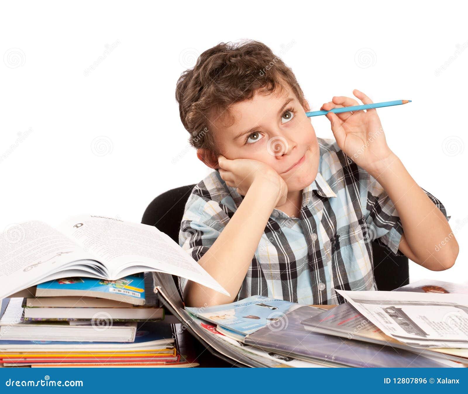 Estudante relutante a fazer trabalhos de casa