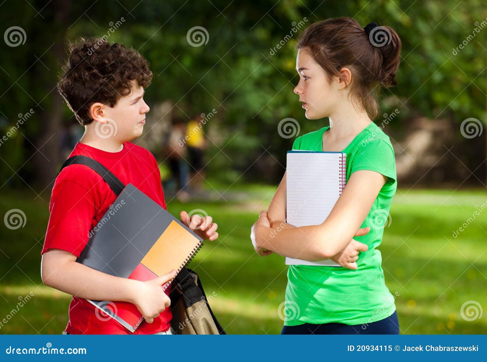 Estudantes ao ar livre