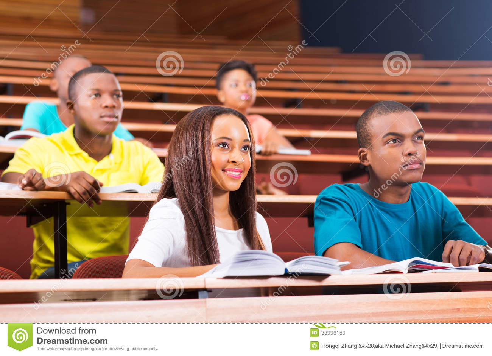 Estudantes universitário novas