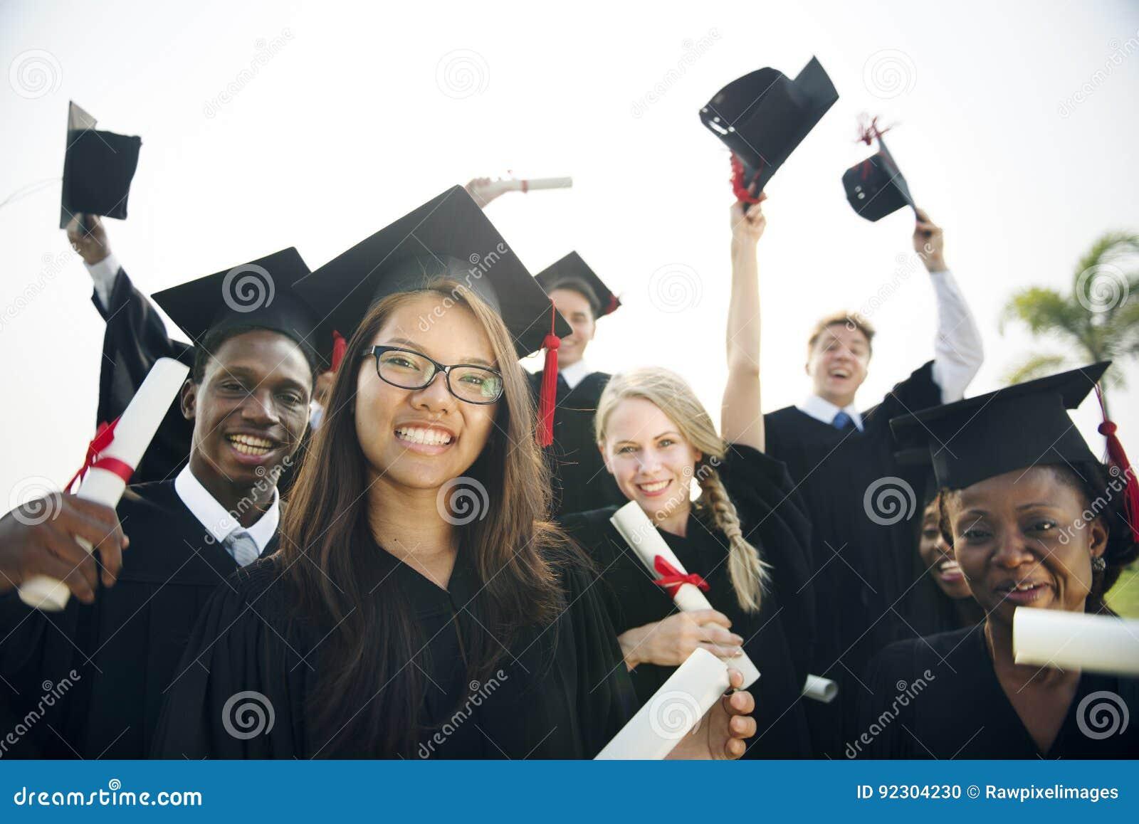 Estudiante School College Concept del logro de la graduación