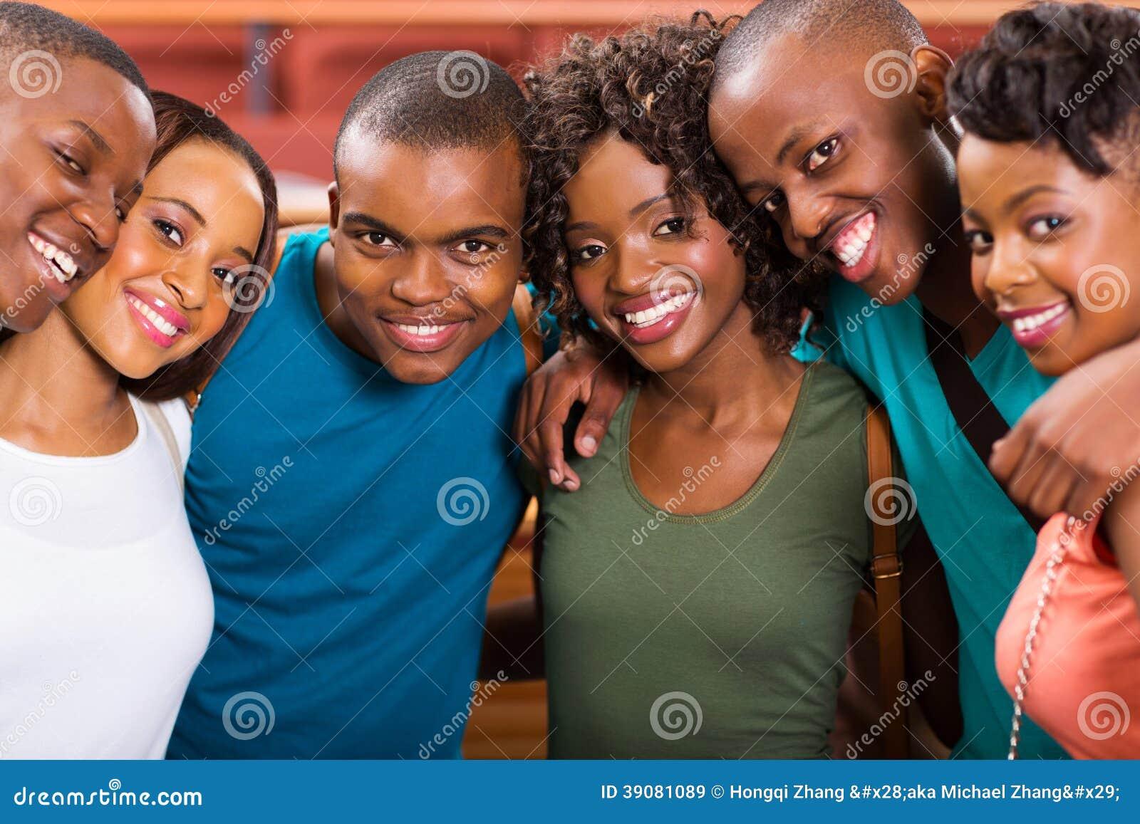 Estudiantes afroamericanos imagen de archivo. Imagen de muchachos ...