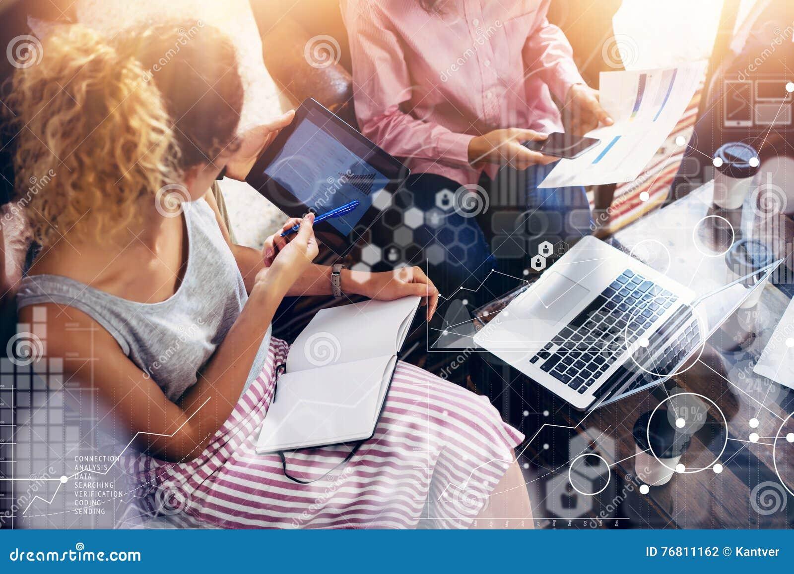 Estudio de mercados virtual del interfaz del gráfico del icono de la conexión global Compañeros de trabajo Team Brainstorming Mee