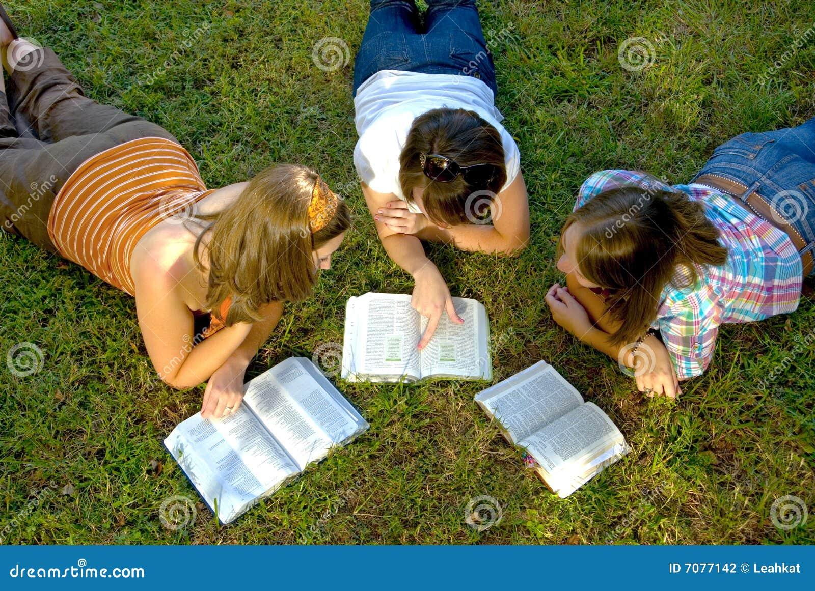 Estudo da Bíblia da juventude